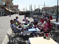Gemütliche Pause im Hafen von Cesenatico
