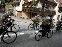 Ein Höhepunkt der Radsporttage in Gippingen sind die Militärradrennen auf Waffenrädern