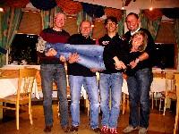 Manfred Pichler, Kurt Strobl, Michael Kurz und Radlwolf mit Betreuerin Silke Napetschig bei der Besprechung am Wochenende