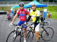 Radlwolf und Michi Kurz vor dem Start bei bei der Kärntner Behindertenradsportmeisterschaft