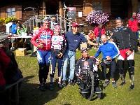 Die Behindertensportler v.l.n.r.  Wolfgang Dabernig, Anita Ruetz, Michi Kurz, Klaus Dolleschal, Helmut Unterüberbacher, Alexander Hohlrieder