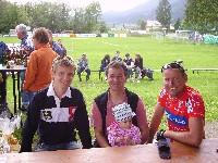 Markus Hohenwarter, Alexander Lugger mit Töchterchen Hanna und Radlwolf