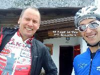 Radlwolf und Michi vor der Piave Hütte
