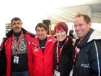 v.l.n.r. Organisator Pepe Mikl (Danke für die VIP Karten), Michi Kurz, 3 fach Olympiasiegerin Kati Wilhelm und Radlwolf