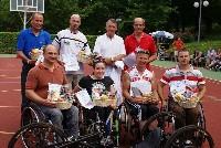 Stehend v.l.: Wolfgang Dabernig ( Rad) , Michael Linhart  (LA), Prim. Dr. Gerd Korisek; Mag. Michael Wöhrer Vorne v.l.: Ing. Harald Pundner (Tennis), Claudia Lösch (Segeln, Monoski),