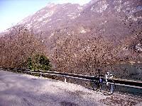Cavazzosee im Hintergrund Monte Simeone