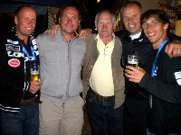v.l.n.r. Wolfgang Dabernig, Klaus Heidegger, Michael Klammer, Franz Weberund Michael Kurz bei der zünftigen Abschlussfeier in der Brauerei Hirt