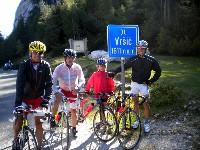 v.l.n.r. Radlwolf, Ossi Jochum, Nils und Michi Kurz am Vršič-Pass