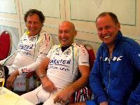 Franz Klammer, Organisator Fredi Schabschneider und Radlwolf im Hotel Wiental bei der Mittagspause