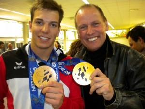 Der erfolgreichste österreichische Paralympionike Markus Salcher und Radlwolf der zehn Jahre nach dem Gewinn seiner Silbermedaille auch einmal eine Goldmedaille halten darf