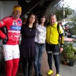 Alessia und Carla verwöhnten die Radler zu Mittag in Nimis