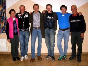 Foto: Christine Jochum v.l. Trude Hebein, Radlwolf, Schisprunglegende Hans Millonig, Günther Schreibmajer, Ossi Jochum und Martin Hebein