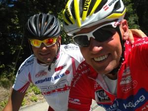 v.l. Staatsmeister Erich Stauffer NÖ Behindertenklasse C2 und Vizestaatsmeister Wolfgang Dabernig bein Aufwärmen für das Straßenrennen