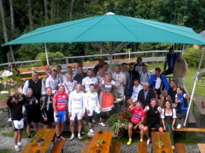 """Die Teilnehmer der """"Tour de Allgäu"""" auf der Alpe Mohr"""