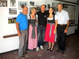 v.l. Kurt Strobl, Gitti Fischer, Radlwolf , Christina und Peter Fischer