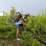 Umleitung ignoriert, Fahrrad tragen