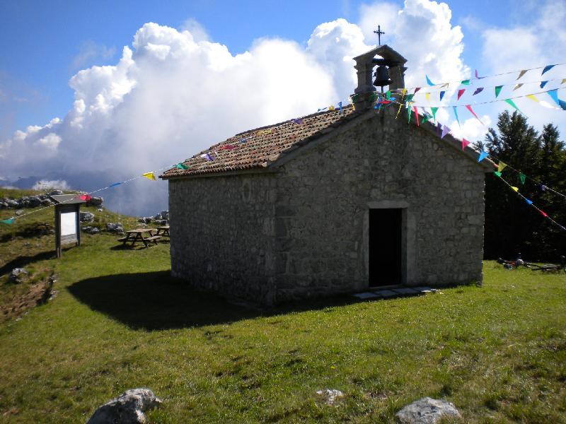 Die Kapelle am Monte San Simeone