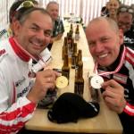 ÖM Erich Stauffer und Radlwolf freuen sich über die gewonnenen Medaillen bei der ÖM-Senioren