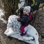 Heidi, die Tochter von Oliver Dreier wartet auf die Siegerehrung