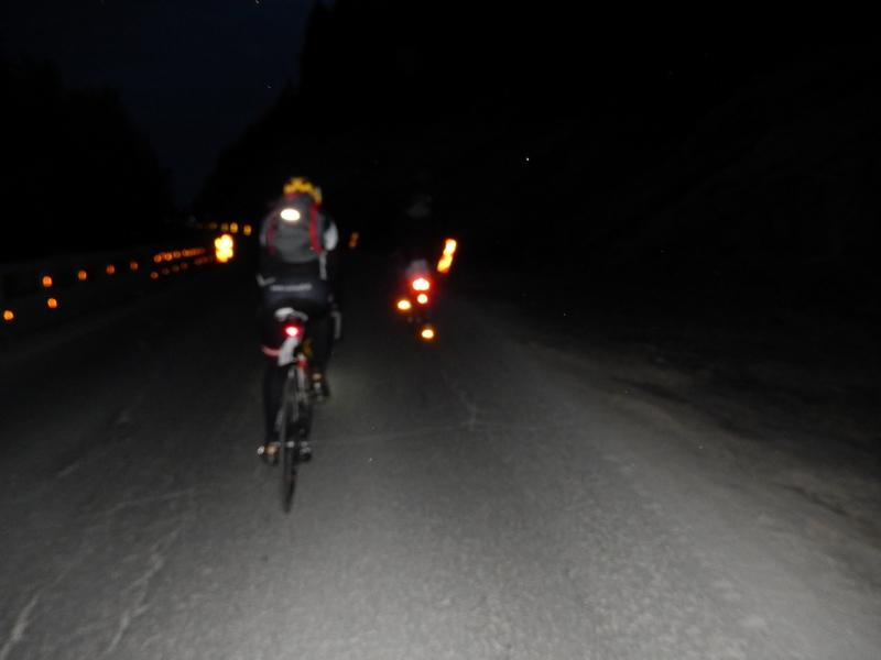 00:10 Uhr die zweite Nacht wird etwas dunkler, sind wir ja ca. 500 km südlicher als gestern