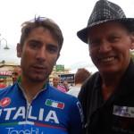 Radlwolf gratuliert dem Sieger Diego Ulissi vom italienischen Nationalteam