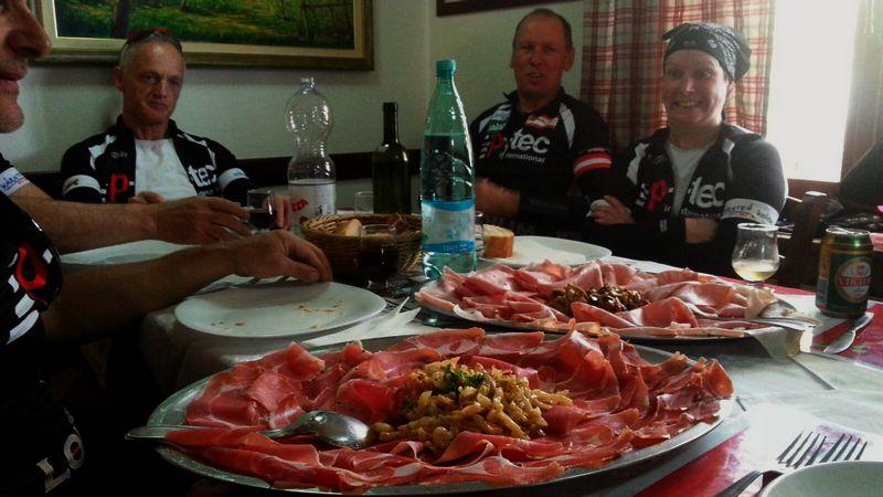 erster kulinarischer Höhepunkt bei Carla in der Osteria Antica in Nimis