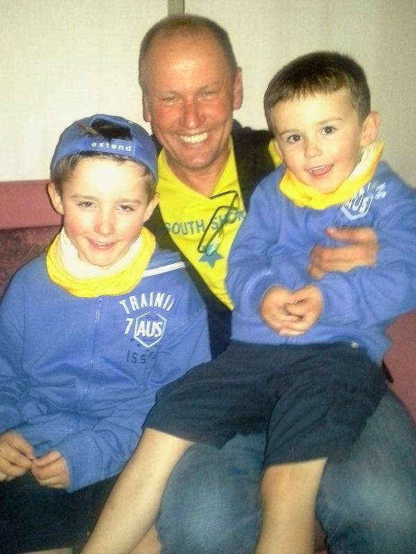 """Radlwolf mit seinen neuen Freunden und Fans """"Fabrice und Cyril"""""""