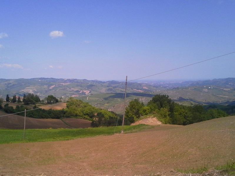 wunderschöne Ausicht über die Hügel der Romogna zur Adria