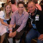 Radlwolf freut sich sehr über das nette Treffen mit Lukas Müller und seiner Freundin
