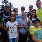 Simon mit seinen Eltern, Schwestern, Michi, Radlwolf und Ingo mit Tochter
