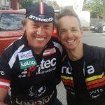 Wolfi Eibeck der wohl erfolgreichste österr. Radler im Behindertenradsport und Radlwof zwei alte Freunde, die auch bei einem Weissbier nicht aufgeben und verzweifeln