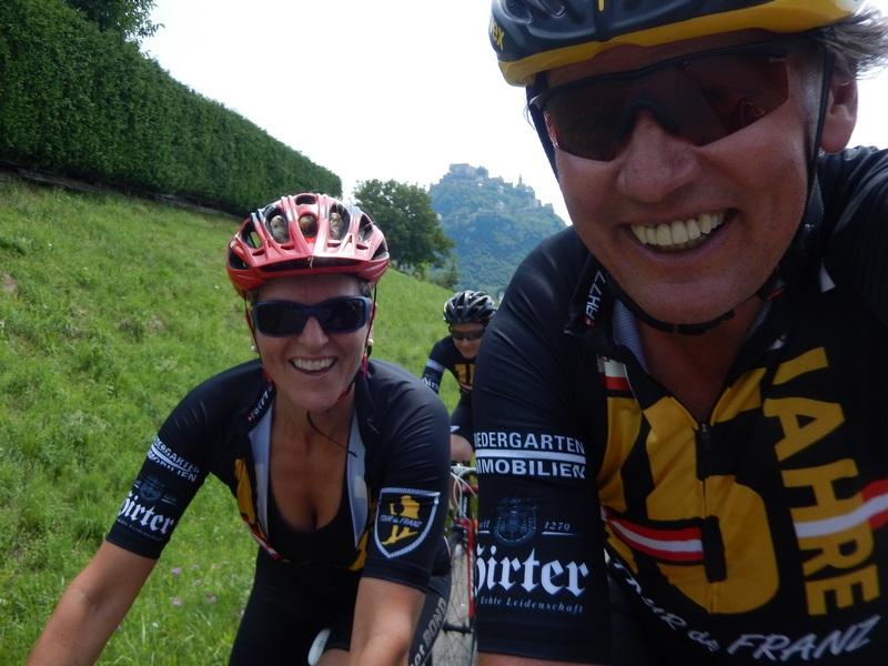 mit der ehemaligen österreichischen Skirennläuferin Claudia Strobl vorbei an der Burg Hochosterwitz