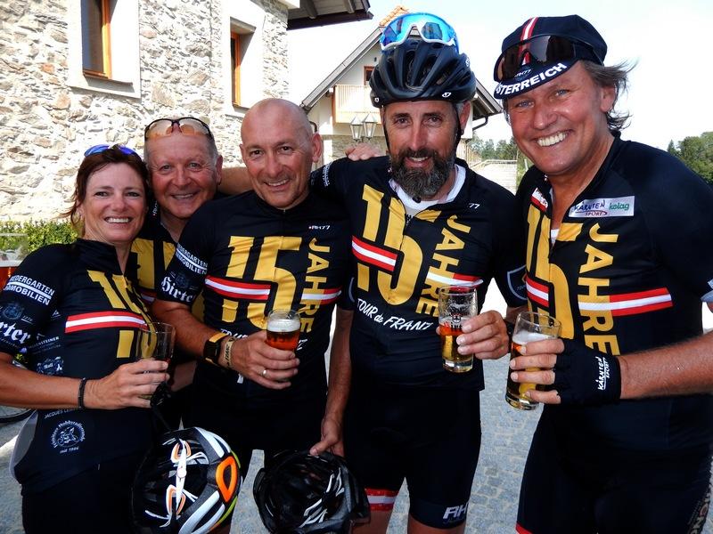 glücklich im Ziel Karin, Kurt, Freddy, Ronny und Radlwolf