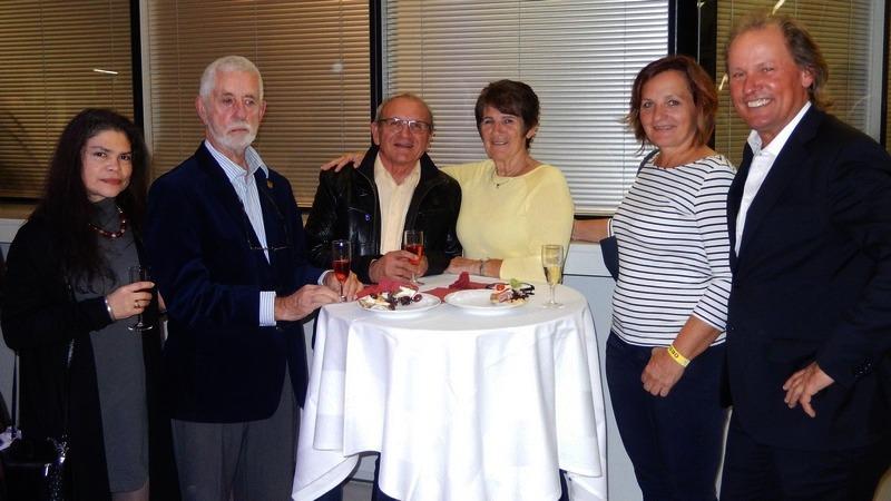 v.l. Verbandsarzt Dr. Heinz Zwerina mit Freundin, KBSV Präsident Franz Weingartner mit Maria und Karin Franz mit Radlwolf freuen sich auf den bevorstehenden Burgenlandabend