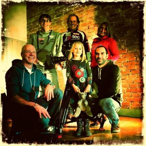 hinten: Michi, Radlwolf, Silke, vorne: Cinecraft Geschäftsführer Christian Giesser, Ylvie und Max (Schnitt)