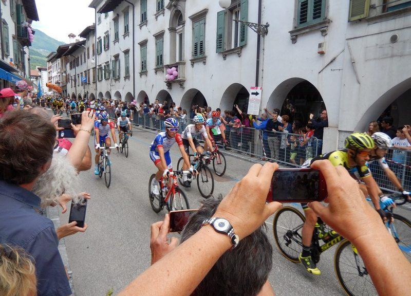 "Start zur 15. Etappe des ""Giro d`Italia 2018 Tolmezzo - Sappada"