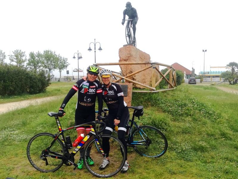 v.l. Radlwolf mit Dani und Marco Pantani