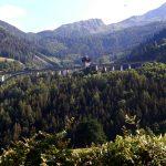 vorbei durch das Mölltal am Schloss Falkenstein