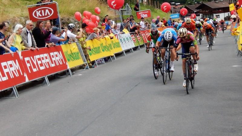 Giovanni Visconti (ITA) verwies den dreifachen Cross-Weltmeister Wout van Aert (BEL) auf den zweiten Platz, dritte wurde Michael Bresciani (ITA).