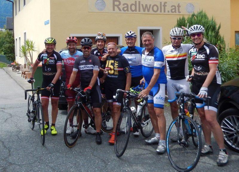 v.l. Radlwolf, Marco Haller, Wolfgang Cramaro, Michi Kurz, Kurt Strobl, Jörg Moser, Franz Klammer, Erich Pötscher und Daniela Schelch