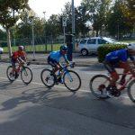 Nairo Quintana hellblaues Trikot vor Domenico Pozzovivo auf den letzten Kilometern
