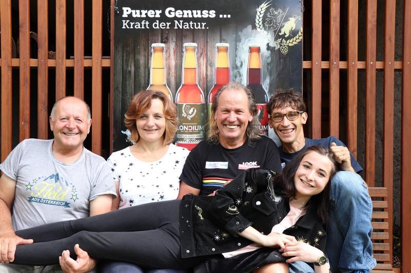 Kurt Strobl, Betreuerin Karin Franz, Radlwolf, Michi Kurz und Filmemacherin Lea Kurz