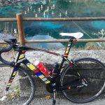 """vorbei an der schwimmenden Krippe im """"Laghetto di Cornino"""""""