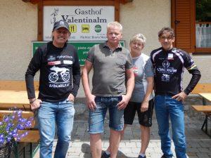 """Radlwolf, die Wirtsleute Bruno mit Anita und Michi Kurz freuen sich auf zahlreiche Teilnahme beim """"7. Radeln, Laufen und Wandern für den guten Zweck"""""""