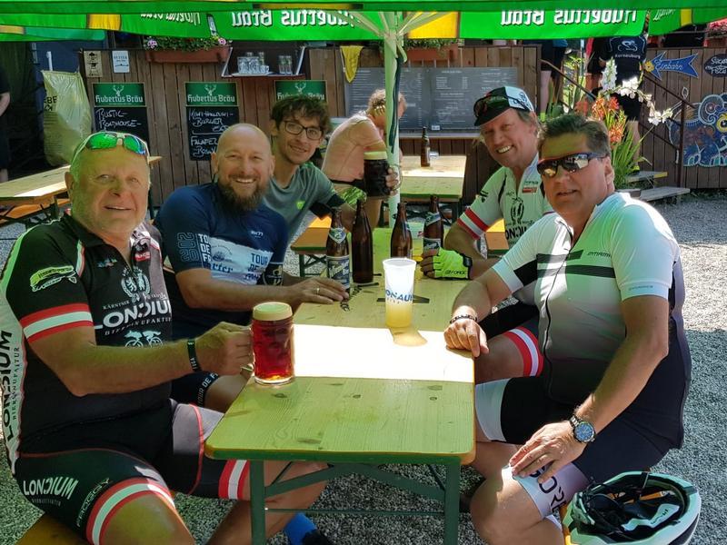 Kurt, Freddy, Michi, Radlwolf und Michael in Korneuburg, Foto: © Michael Färber