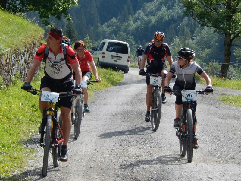 die Radler, Läufer und Wanderer das Ziel auf der Unteren Vaalentinalm, Fotos: © Karin Franz