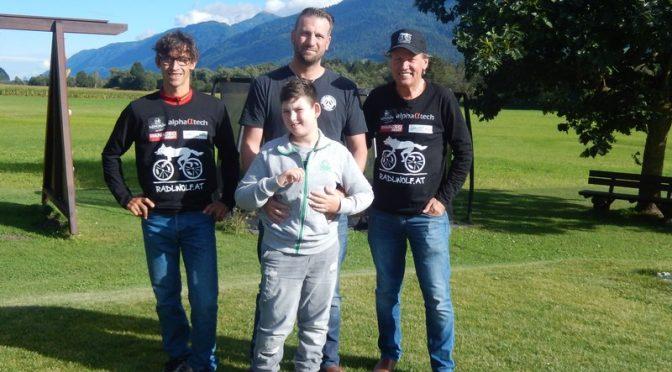 Radlwolf und Michael Kurz unterstützen Nico aus Jenig im Gailtal